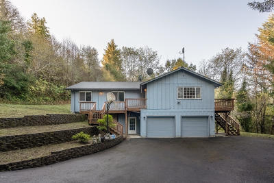 Depoe Bay, Gleneden Beach, Lincoln City, Newport, Otter Rock, Seal Rock, South Beach, Tidewater, Toledo, Waldport, Yachats Single Family Home For Sale: 200 NE Magnolia St