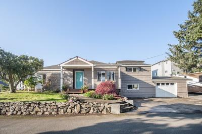 Lincoln City Single Family Home For Sale: 3009 NW Port Dr.