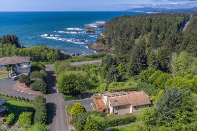 Depoe Bay Single Family Home Pending - Contingencies: 75 Boiler Bay St