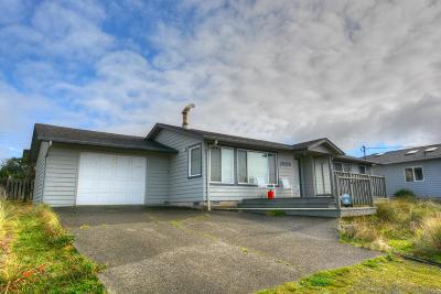 Waldport Single Family Home For Sale: 2609 NW Oceania Dr