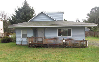 Lincoln City OR Single Family Home For Sale: $99,900