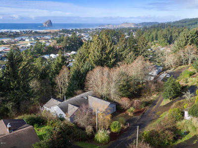 Pacific City Single Family Home For Sale: 35530 Salal Lane