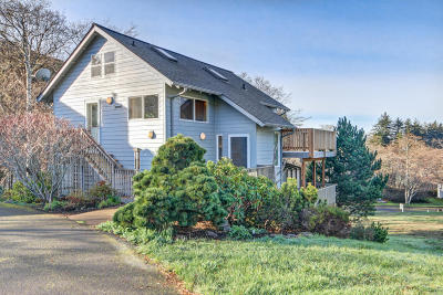 Yachats Single Family Home For Sale: 230 Jennifer Dr
