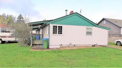 Waldport OR Multi Family Home Sale Pending: $199,000
