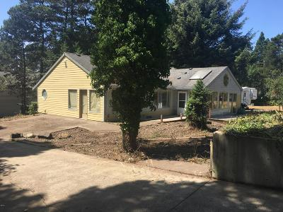 Yachats Single Family Home For Sale: 5515 NE Barclay Ave