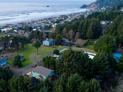 Lincoln City OR Single Family Home For Sale: $355,350