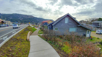 Yachats Single Family Home For Sale: 357,  373,  Hwy 101 N