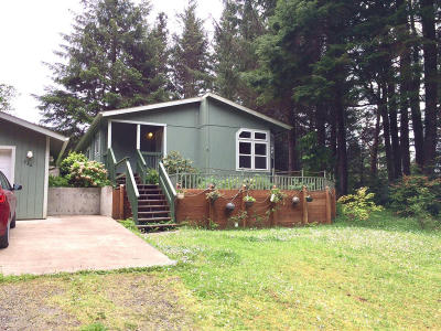 Depoe Bay, Gleneden Beach, Lincoln City, Newport, Otter Rock, Seal Rock, South Beach, Tidewater, Toledo, Waldport, Yachats Mobile/Manufactured For Sale: 536 NE Alder St