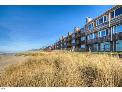 Depoe Bay, Gleneden Beach, Lincoln City, Otter Rock Condo/Townhouse For Sale: 145 NW Inlet Ave #301, 302