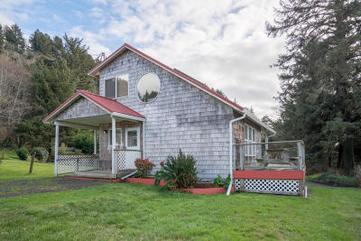 Yachats Single Family Home For Sale: 38 Greenhill Dr