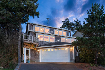 Pacific City Single Family Home For Sale: 35365 Sixth Street