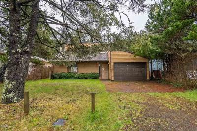 Alsea, Depoe Bay, Eddyville, Gleneden Beach, Grand Ronde, Lincoln City, Logsden, Neotsu, Neskowin, Newport, Otis, Otter Rock, Pacific City, Rose Lodge, Seal Rock, Siletz, South Beach, Tidewater, Toledo, Waldport, Yachats Single Family Home For Sale: 303 NW 56th St