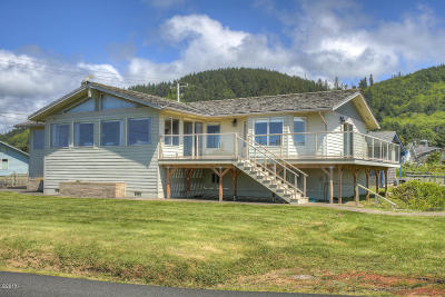 Yachats Single Family Home For Sale: 636 Marine Dr