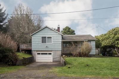 Lincoln City Single Family Home For Sale: 1741 NE Port Ave