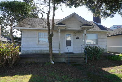 Single Family Home Sold: 1126 SW 51st St