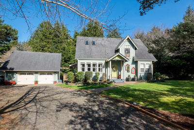 Seal Rock Single Family Home For Sale: 13945 NW Kona St