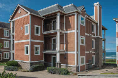 Newport Condo/Townhouse For Sale: 1125 NW Spring St #B302
