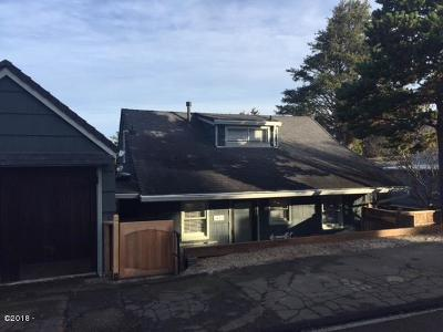 Lincoln City Single Family Home For Sale: 1643 NW 25th St