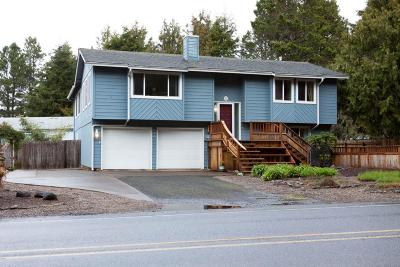 Waldport Single Family Home For Sale: 580 SW Range Dr