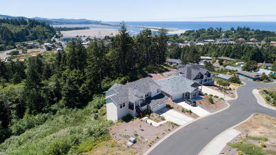 Lincoln City OR Single Family Home For Sale: $449,000