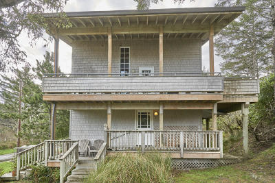 Neskowin Single Family Home For Sale: 46790 Hawk St