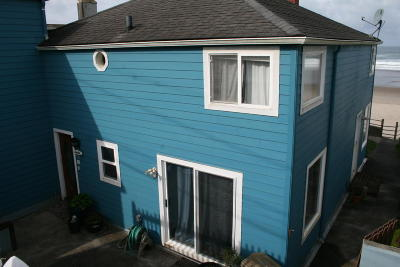 Lincoln City Single Family Home For Sale: 3215 NW Inlet Ave