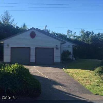 Newport Single Family Home For Sale: 1020 NE 7th St