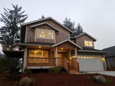 Lincoln City OR Single Family Home For Sale: $499,900