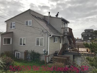 Lincoln City Multi Family Home For Sale: 529, 531 SW 32nd St