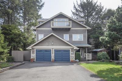 Lincoln City Single Family Home For Sale: 1440 SW Dune Ave.