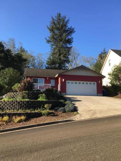 Lincoln City Single Family Home For Sale: 2485 NE 27th Dr