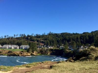 Depoe Bay Multi Family Home For Sale: 605 N Hwy 101