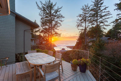 Depoe Bay Single Family Home For Sale
