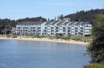 Lincoln City Condo/Townhouse For Sale: 5201 SW Hwy 101 #409