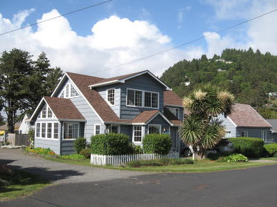 Yachats Commercial For Sale: 431 W 2nd St