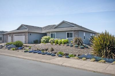 Lincoln City Single Family Home For Sale: 4567 NW Pacific Ct.