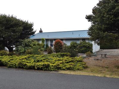 Waldport Single Family Home For Sale: 2506 NW Parker Ave