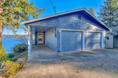 Lincoln City OR Single Family Home For Sale: $565,000
