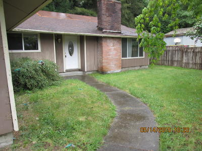 Toledo Single Family Home For Sale: 1068 NW Sunset Dr