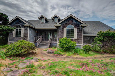 Yachats Single Family Home For Sale: 4935 Hwy 101 N