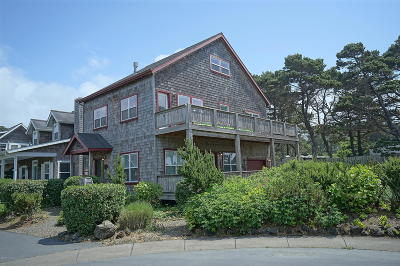 Depoe Bay Single Family Home For Sale: 388 Bella Beach Dr