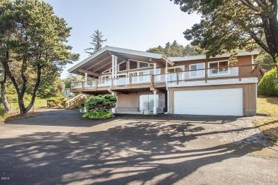 Depoe Bay Single Family Home For Sale: 540 NE Williams Ave.