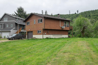 Single Family Home For Sale: 4410 Siletz Hwy