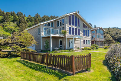 Yachats Single Family Home For Sale: 25 Rock Dr