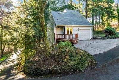 Lincoln City Single Family Home For Sale: 2040 NE Devil's Ridge Rd