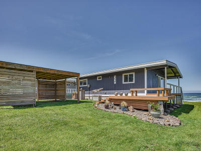 Yachats Single Family Home For Sale: 557 Cape View Dr