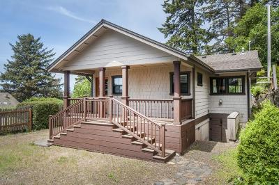 Depoe Bay Single Family Home For Sale: 30 Bradford St