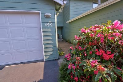 Newport Condo/Townhouse For Sale: 96 NW 33rd Pl #C