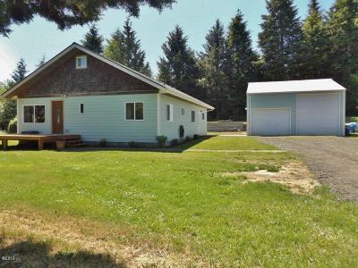Waldport Single Family Home Pending - Contingencies: 2295 SE Merten Dr