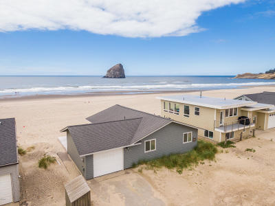 Pacific City Single Family Home For Sale: 34150 Ocean Dr.